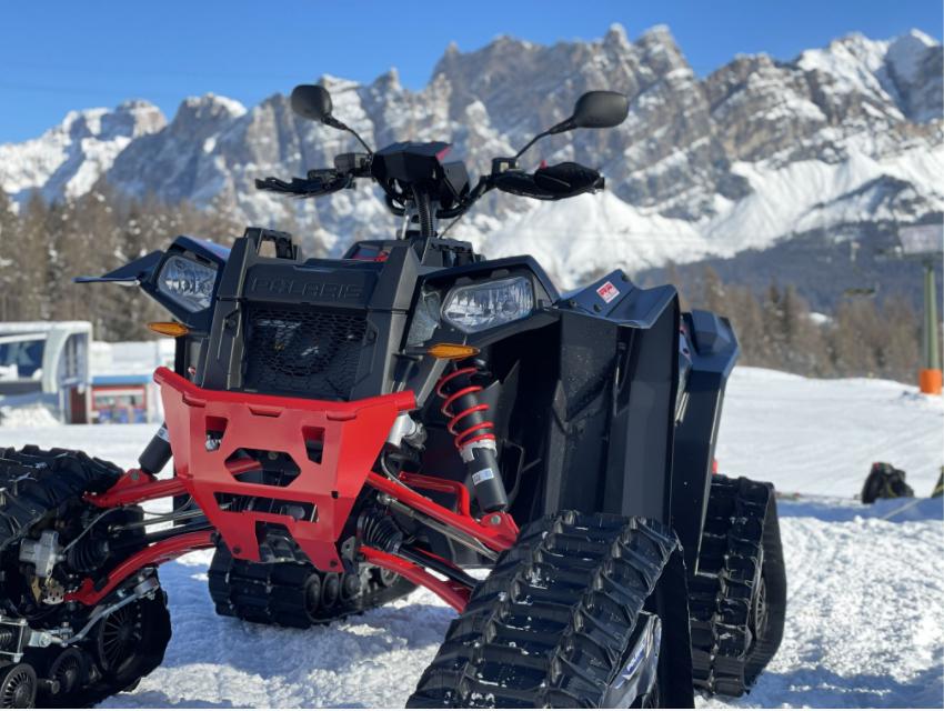 NTS Polaris Scrambler ATV med belter i Cortina 2021